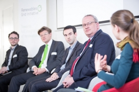 Panel discussion at the workshop 'A decentralised electricity system - myths and facts' / Photograph: RGI