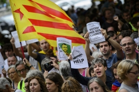 Catalan demonstrators asking for a referendum to vote. Photo: Assemblea, Flickr