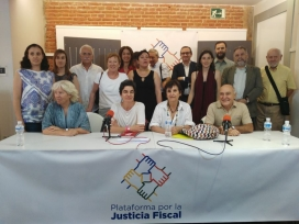 Members of the Platform for Fiscal Justice, one of the organisations pressing to promote transparency measures. Photo: Plataforma por la Justicia Fiscal