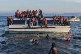 Boat full of refugees. Photo: Wikipedia