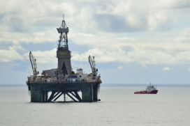 Oil drilling in the Barents Sea. Photo: Wikimedia