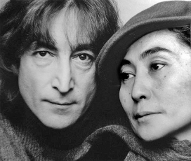 On the left, John Lennon, author of the song Imagine. Photo: Wikimedia