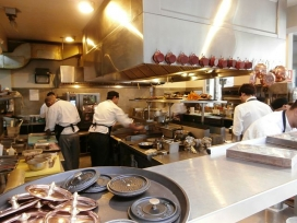 Barcelona restaurants employing migrants. Photo: Wikipedia