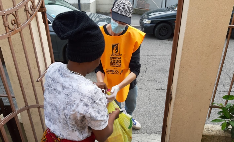 In Padova, volunteers made themselves available to be trained and then help most vulnerable people.