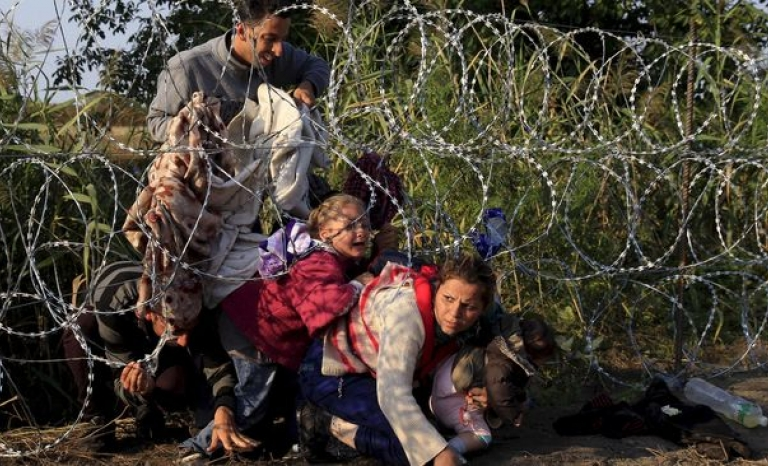 Refugees in the Serbian and Hungarian fence