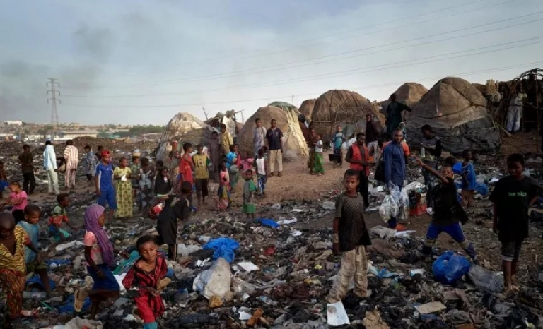 One of the refugee camps in Mail is on top of a landfill.
