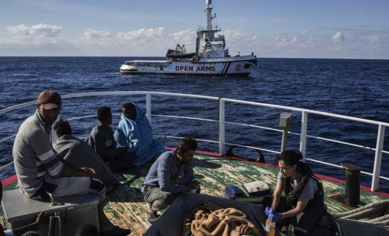 The NGO denounces that the government prevents saving lives in the sea