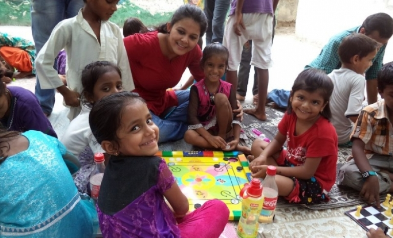 Indian project to children trough the toys
