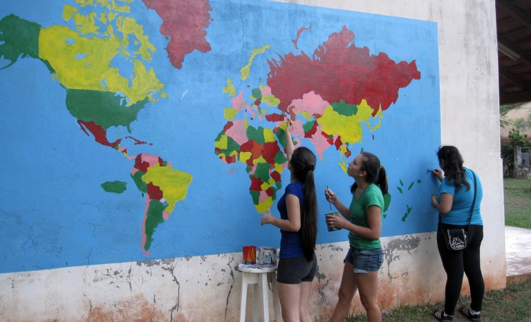 International activities encompass a set of new tools that come from the opportunity for participants to exchange their experiences / Photograph: Isaiah Goertz, Flickr