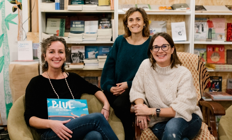 From left to right: Mònica Ortega (co-author), Laia Roca (co-author) and Mar Sabé (Communication Officer at Open Arms).