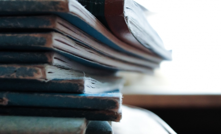 Books / Photograph: Unsplash, Pixabay