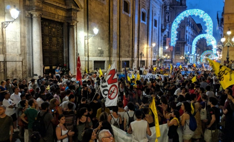 Manifestation to demand the opening of ports in Palermo.