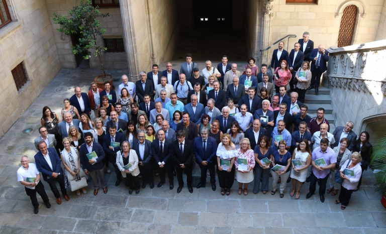 After the signing of the Timetable Reform Agreement. Photo: Catalan News