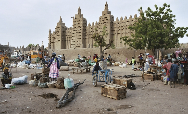 The coup d état has had the support of part of the population of Bamako, but also other parts of the country.