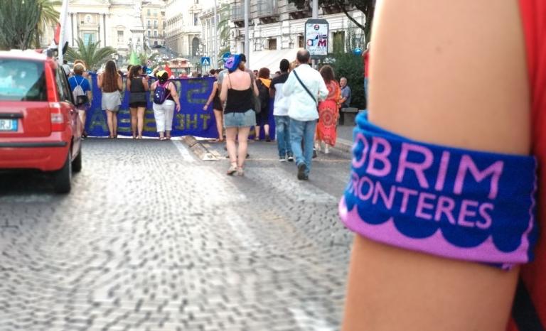 Bracelet during a protest by Obrim Fronteres