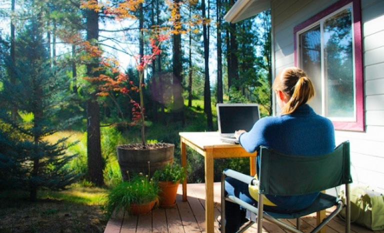 Only 6,7% of active population works from home. Photo: Citrix Online, Flickr