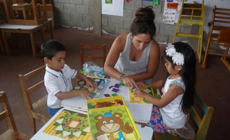 A volunteer project in Nicaragua.  Source: NGO Voluntariado