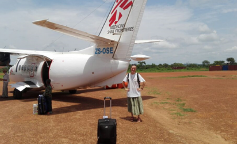 Victòria Pagès ready to take a airplane in Central African Republic.  Source: MSF