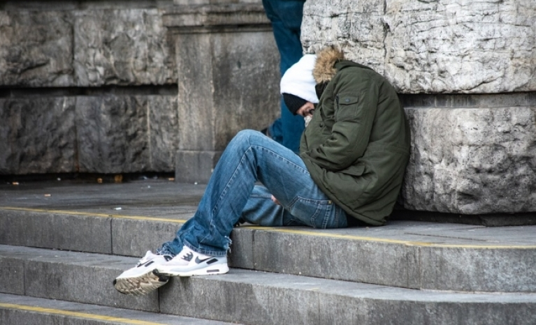 The study describes and analyses the conditions of the most vulnerable people in Europe.