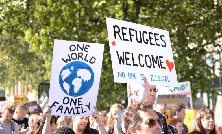 Demonstration supporting refugees. Photo: Ilias Bartolini, Flickr