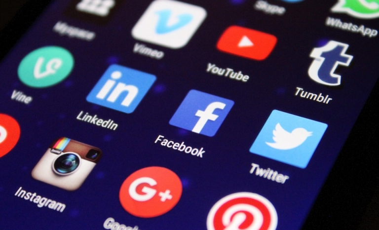 Social networks, a good tool tu publicise your event. Photo: Pixabay