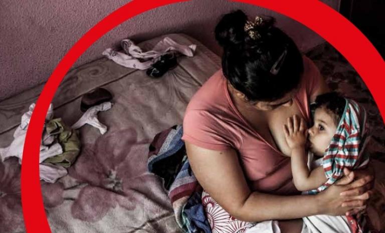 Mum feeding his baby. Photo: Save the Children