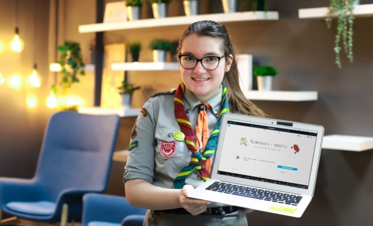 Krysia, a girl scout from Poland, wins EU Solidarity Prize for domestic abuse campaign.